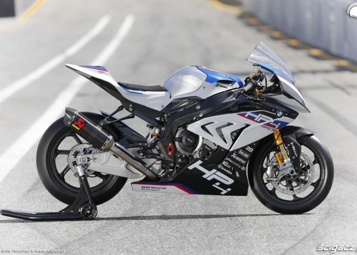 BMW HP4 Race 017