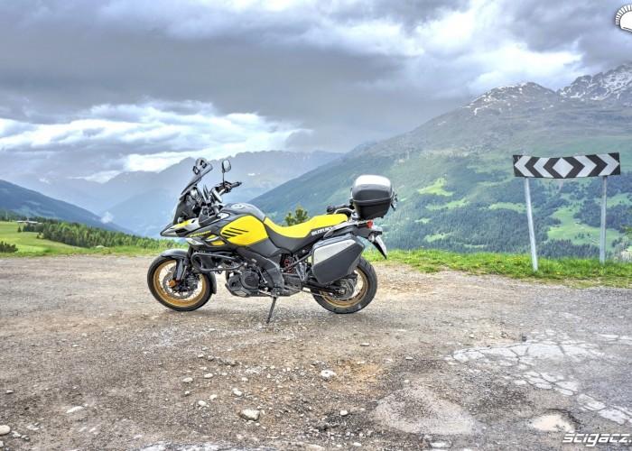 Suzuki V-Strom 1000 XT 14