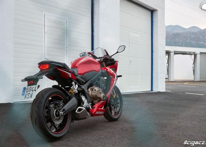 Honda CBR650R 2019 statyka 01