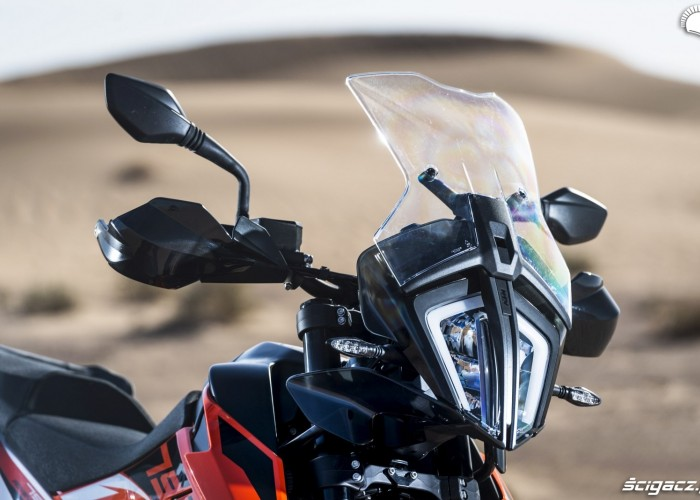 790 adventure ochrona przed wiatrem