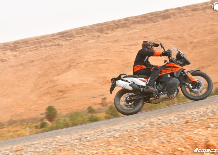 KTM 790 Adventure on road 07