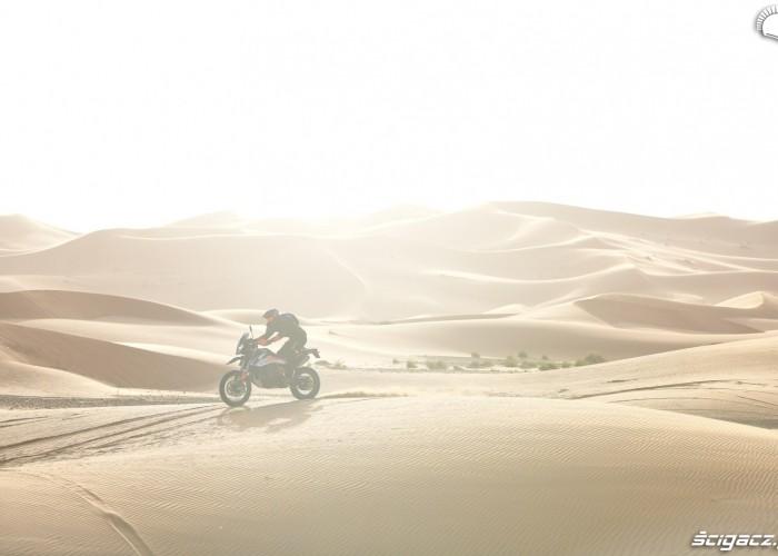 ktm widok pustynia wydmy