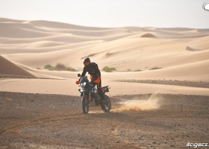 test ktm na pustyni 790 adventurer