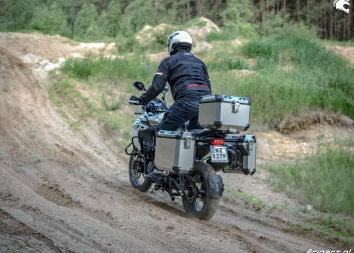 06 Benelli TRK502X 29 podjazd