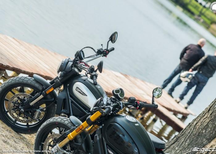 Ducati Scrambler 800 Ducati Scrambler 1100 jezioro