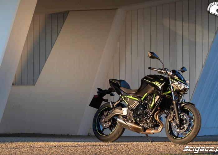 Kawasaki Z650 2020 statyka1