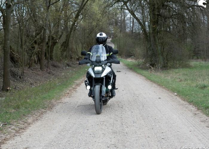 10 Suzuki VStrom 10150 47 blisko