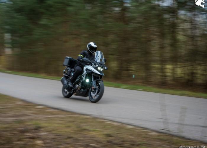 12 Suzuki VStrom 10150 49 fast