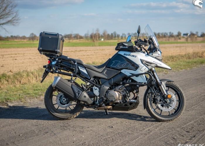 Suzuki VStrom 10150 03 prawy bok