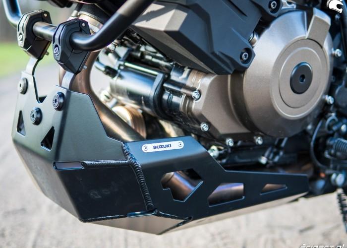 Suzuki VStrom 10150 06 oslona silnika