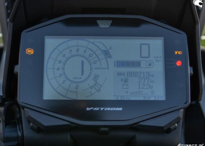 Suzuki VStrom 10150 08 wyswietlacz
