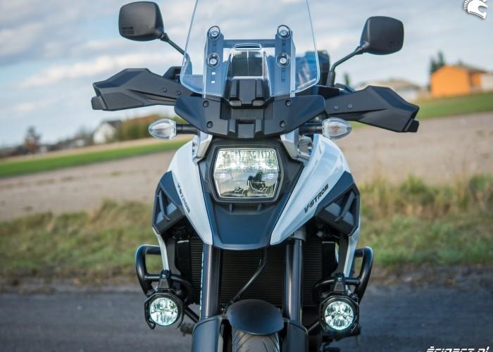 Suzuki VStrom 10150 09 front