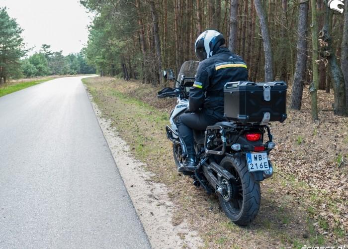 Suzuki VStrom 10150 36 tyl