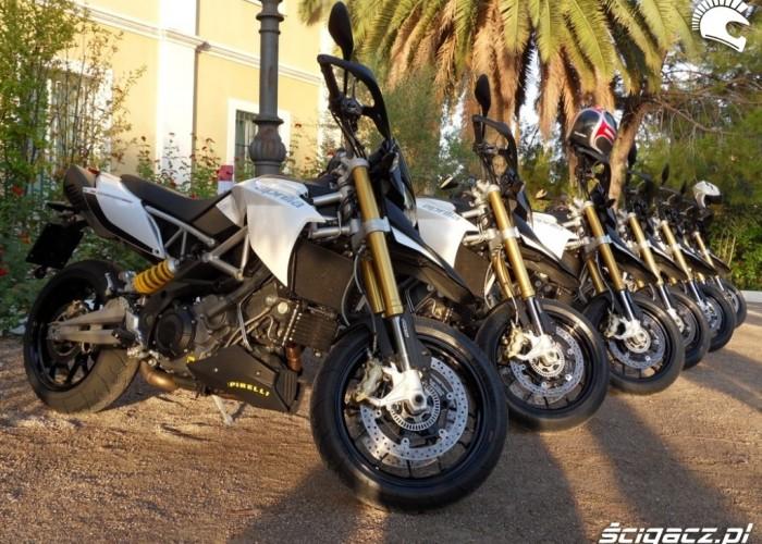 Aprilia Dorsoduro 1200 2011 testowki