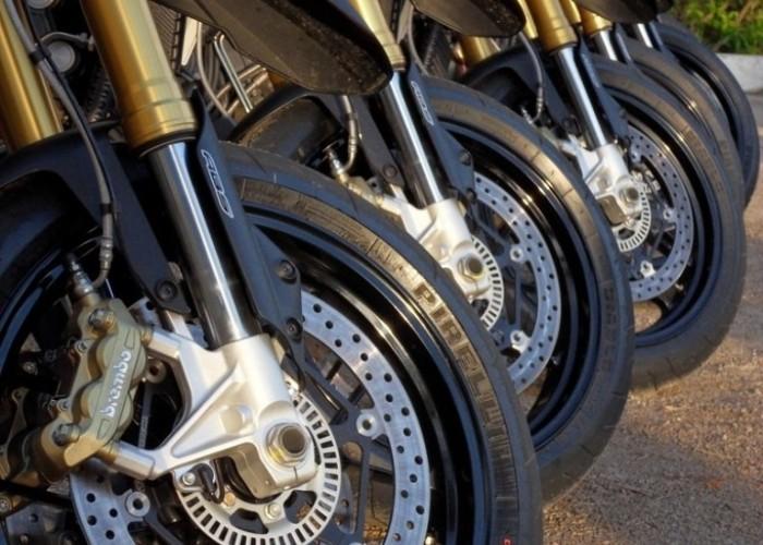 ustawione motocykle Aprilia Dorsoduro 1200 2011
