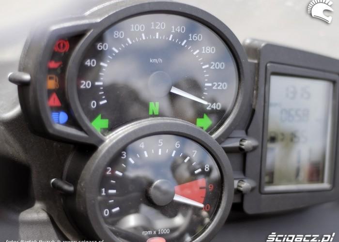 bmw f800 zegary