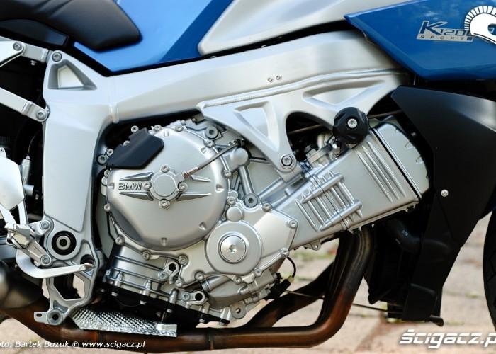 BMW 1200R silnik prawy bok