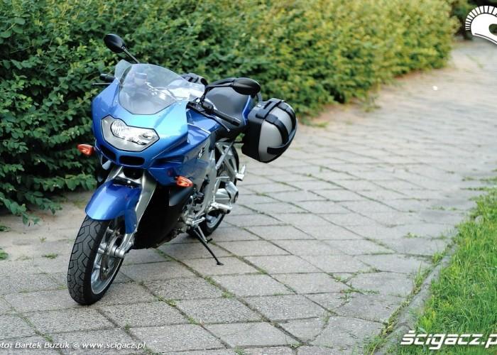 BMW K1200R Chodnik