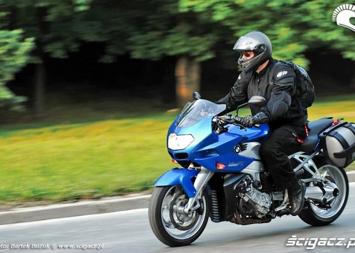 BMW K1200R Sport ulica