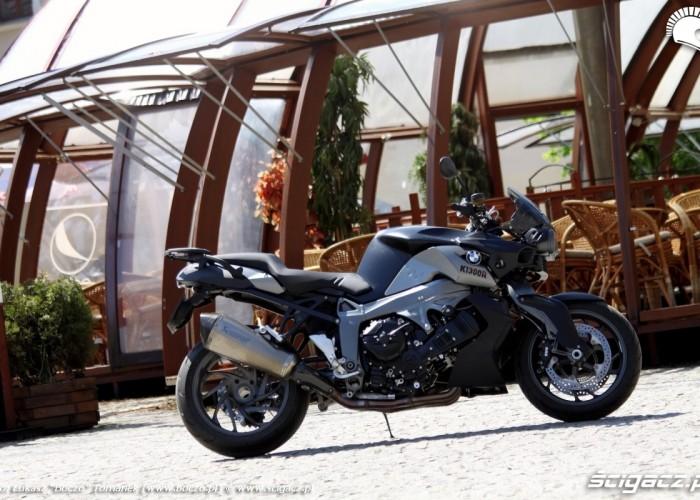 BMW K1300R miasto