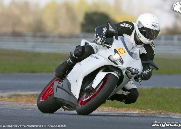 848 evo ducati test 2011 poznan c1 02