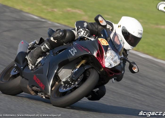 suzuki gsxr750 2011 test tor poznan e4 36