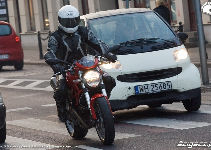 miejski motocykl ducati monster 1100 test mg 0085