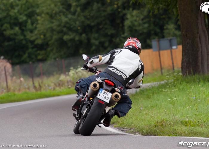 droga Ducati Monster