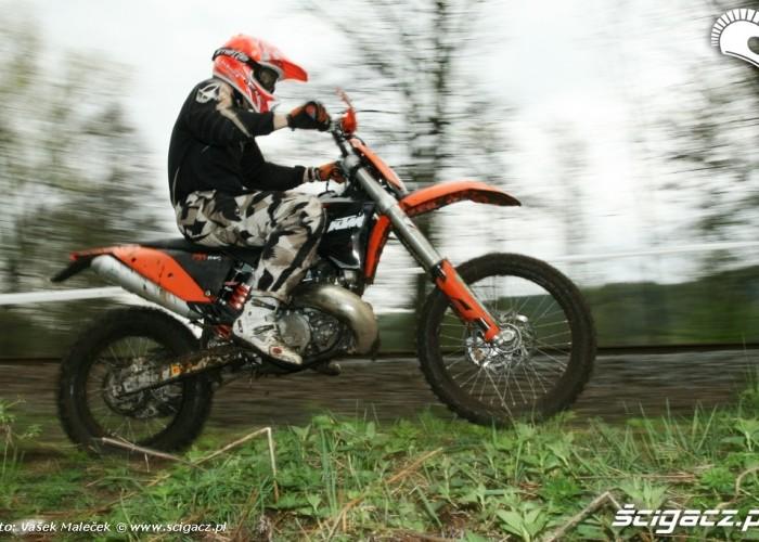 KTM 300EXC E skok