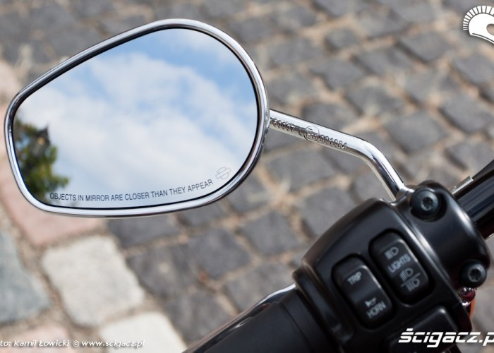 lusterko Harley Davidson Softail Slim