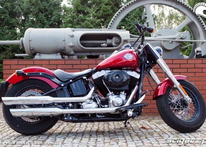prawy bok Harley Davidson Softail Slim