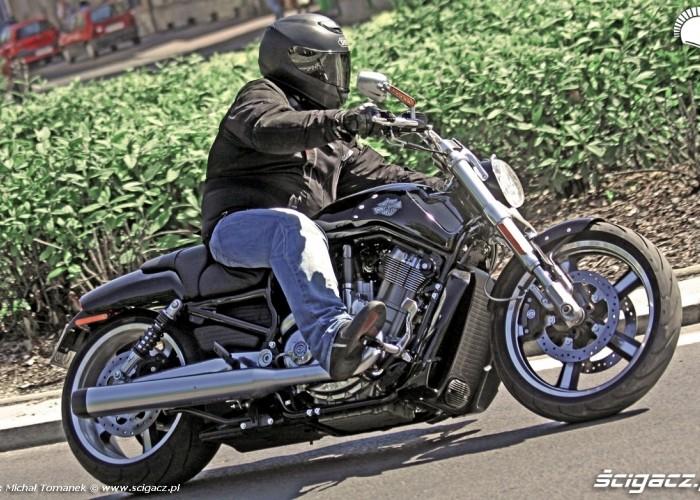 Harley Davidson V Rod Muscle HDR jazda