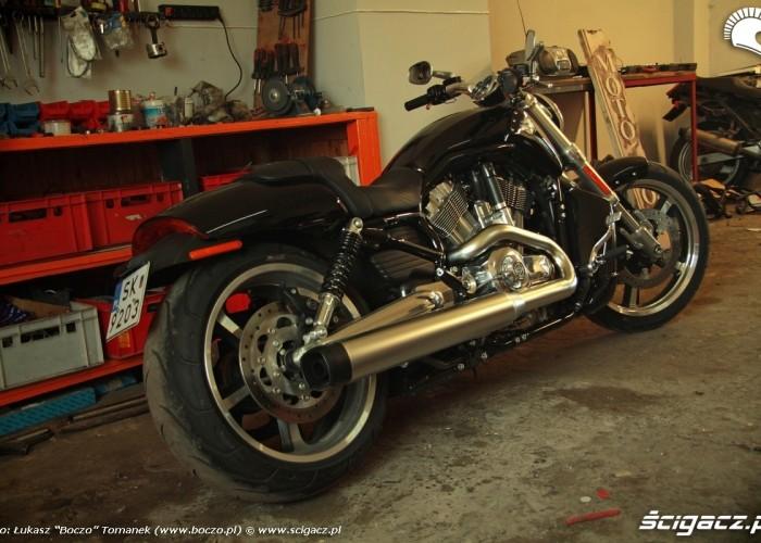 prawy tyl Harley Davidson V Rod Muscle