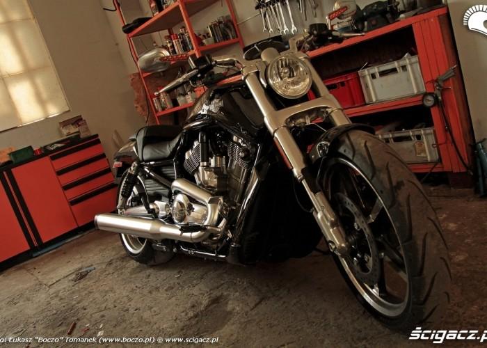 statyka przednie kolo Harley Davidson V Rod Muscle