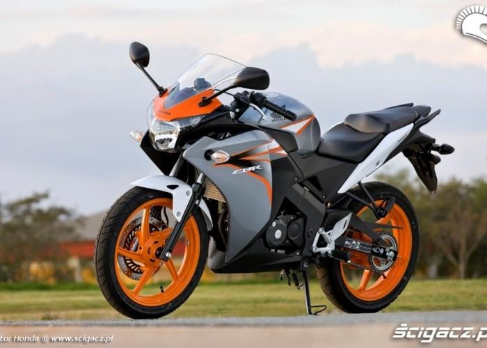 Honda CBR125 2011 lewy profil