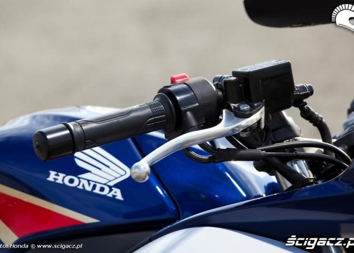 Honda CBR250R 2011 dzwignia hamulca