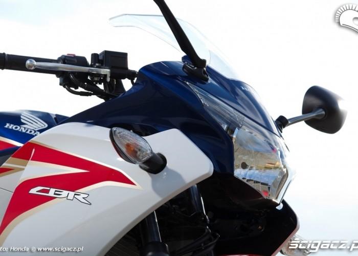 lampa przednia Honda CBR250R 2011