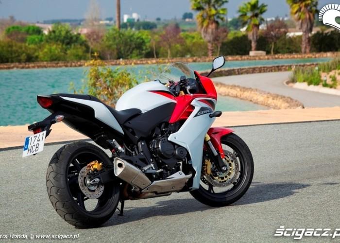 Honda CBR600F prawa z tylu