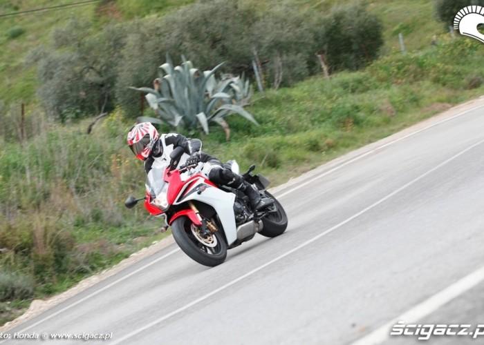 Honda CBR600F zakret