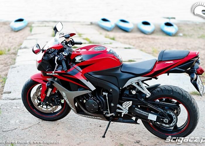 Honda CBRRR bok