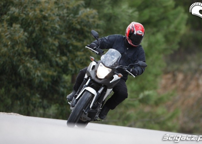 Podjazd Honda NC700X 2012