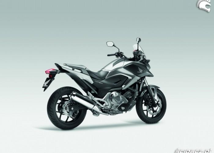 Srebrna Honda NC700X YM 2012