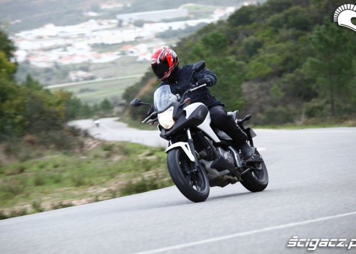 Zakrety Honda NC700X 2012