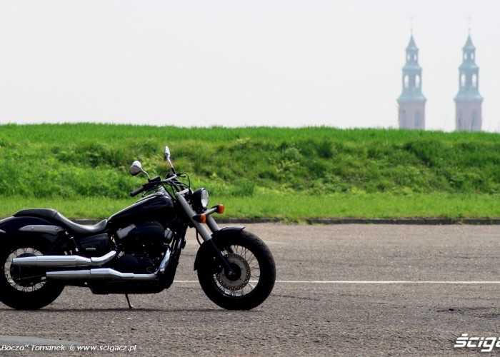 Honda Shadow Black Spirit tlo