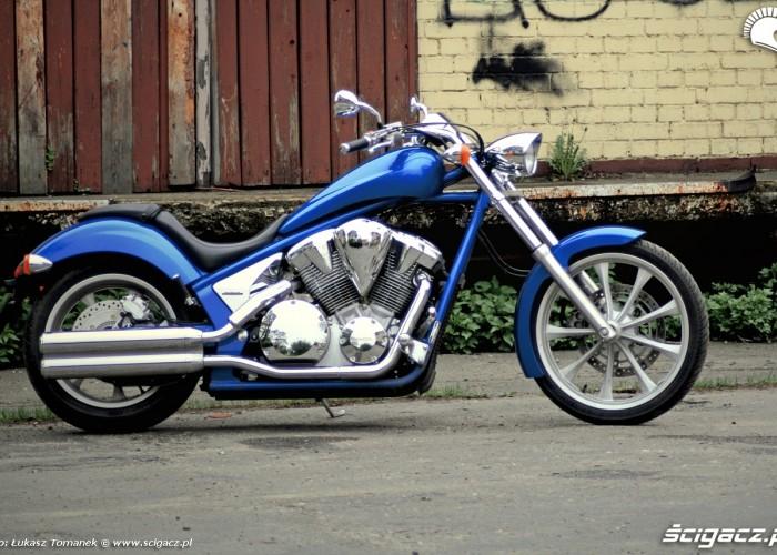 VT1300CX lewy profil