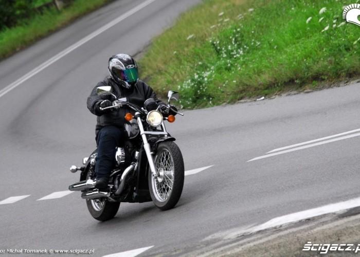 Honda Shadow VT750S jazda lewy zakret