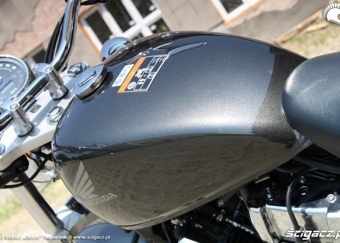 Honda VT750S bak
