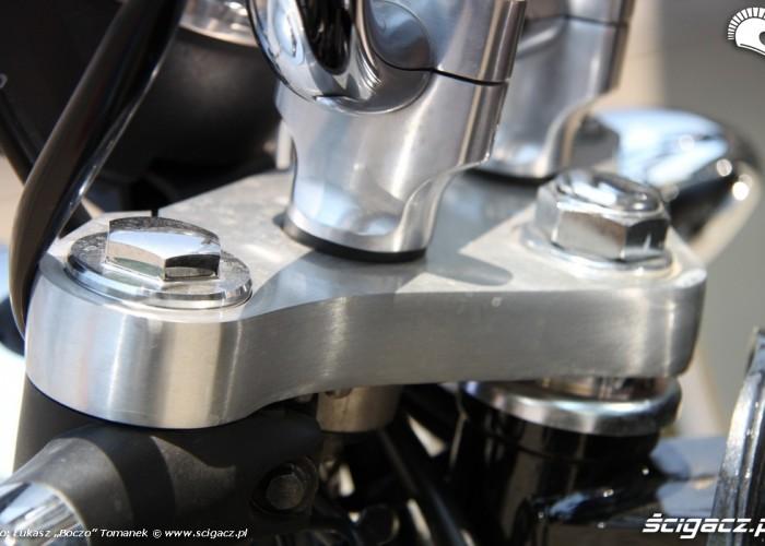 Honda VT750S polka widelca