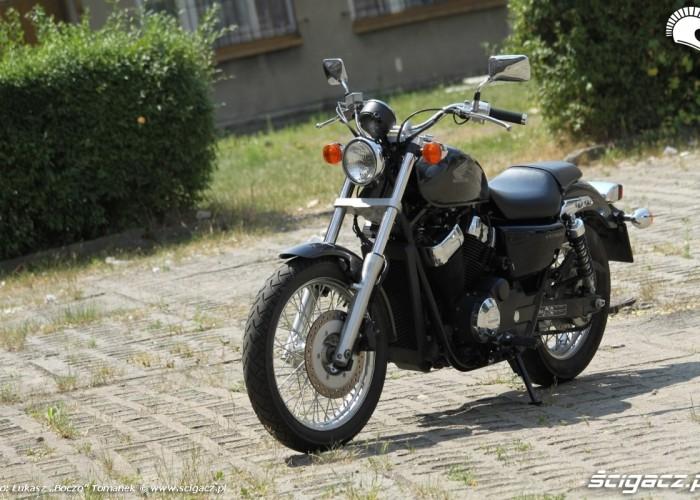 Honda VT750S przod