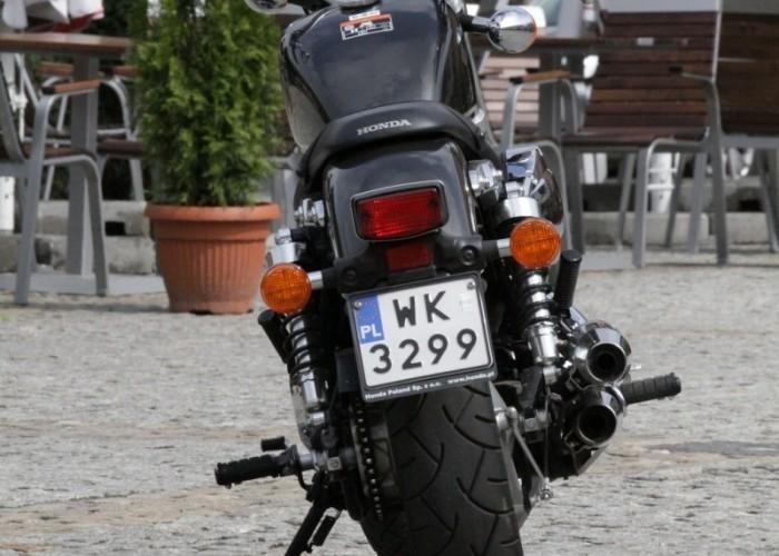 Honda VT750S tyl